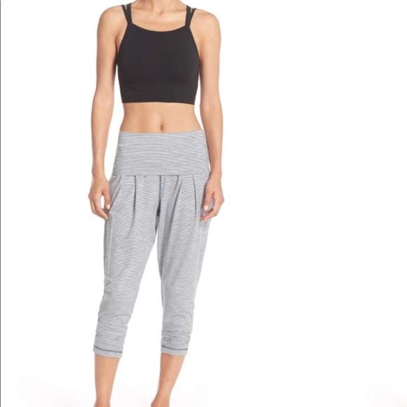 daecfde9e285e ZELLA Breeze Harem Capri Yoga Workout Pants. M_5a3ef62d5512fd4a1e0629a9